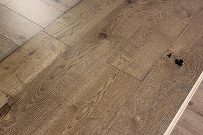 如何辨别木地板的好坏?