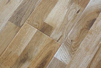 强化复合地板橡木三拼8363